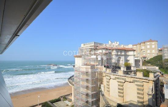 Choisir un produit d'épargne pour financer un projet d'achat immobilier à Biarritz