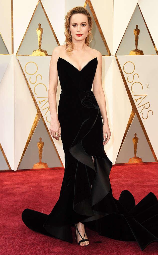Robe de soirée fourrea noire élégante Brie Larson