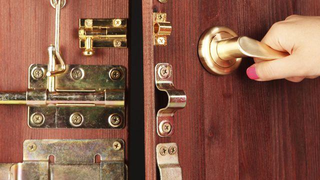 Comment sécuriser sa porte pour ne pas se faire cambrioler ?