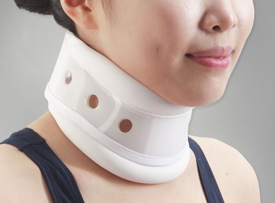 Le collier cervical : un instrument orthopédique efficace