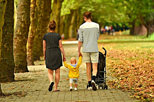 Poussette bébé : l'accessoire indispensable lors des déplacements