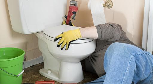 Comment réparer les fuites et les réparations courantes des toilettes